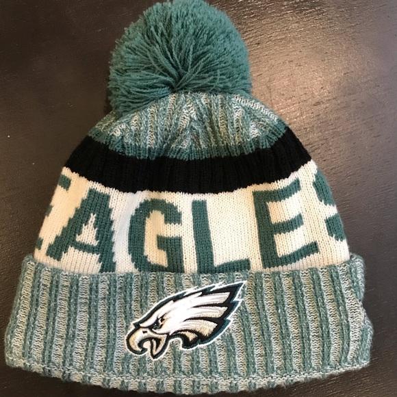New Era Philadelphia Eagles Sideline Knit Hat. M 5c6186e434a4ef56c163c67d b4b1fee12c7